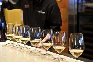 Trinaest zlatnih medalja za vina iz Srbije na takmičenju u Italiji