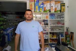 Igor Dabić krenuo skoro sa nule, a sada uspješno uzgaja vinovu lozu, proizvodi vino i rakiju i vlasnik je poljoprivredne apoteke