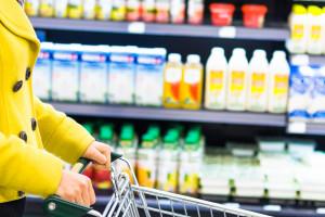 Mlijeko sve više zamjenjuju biljni napitci? Što se događa na tržištu?