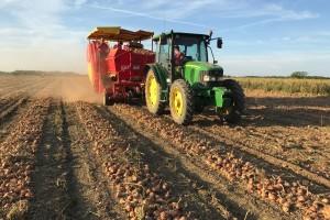 Prve su krumpire proizveli dok se još oralo konjima, a danas OPG Dodlek kupuje 26 novih strojeva!