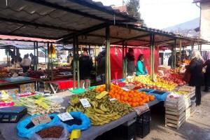 Fahira i Adil Prijić: I na -7 stepeni nasmijani dočekuju mušterije na zelenoj pijaci