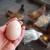 Zašto kokoške kljucaju i jedu jaja?