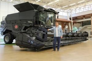 Mladi farmer Lovro Špoljarić s obitelji odrađuje sve poslove, a ponosni su vlasnici i 3 MF stroja!