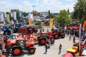 Novosadski sajam: Svi svjetski brendovi traktora i kombajna na jednom mjestu, dva možete osvojiti u nagradnoj igri