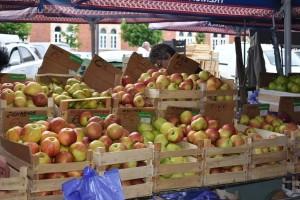 TISUP: U svibnju zabilježene niže cijene jabuka i rajčica