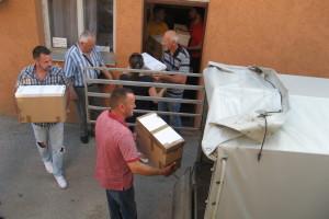 Pčelari iz Šumadije i Pomoravlja poslali pomoć u Kikindu
