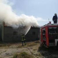 Palio korov - izgorjela susjedova staja i 600 bala sijena