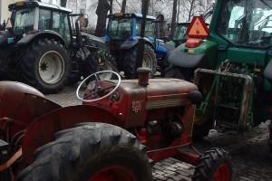 Udruženje mljekara GVR organizira mirni protest - dolaze sa poljoprivrednim mašinama do zgrade Općine Bugojno
