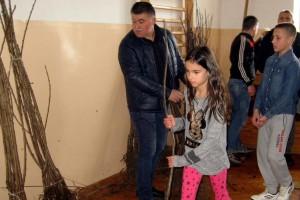 Čumić: Šumadijski voćari deci poklonili 300 sadnica