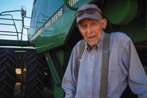 Ima 101 godinu i još uvijek vozi kombajn: Nikad se nisam bojao posla