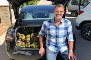 U električnom autu prevezao 200 kg voća od Španije do Švedske