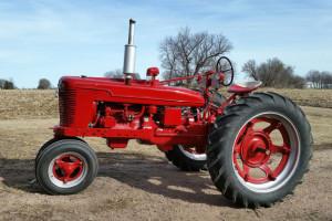 Makete traktora i kombajna dela ratara iz Čonoplje