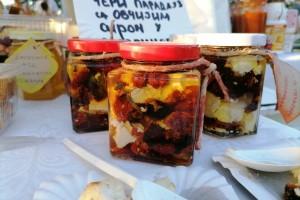 Sušeni paradajz sa kozjim i ovčijim sirom: Italijansko - srpska kombinacija