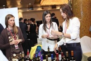 Međunarodni vinski i gastro festival Vinosaur na Staroj Adi