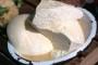 Kumice daruju ugrožene obitelji sirem, vrhnjem i jogurtom
