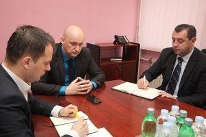 Češljanje ugovora Agencije za zemljište