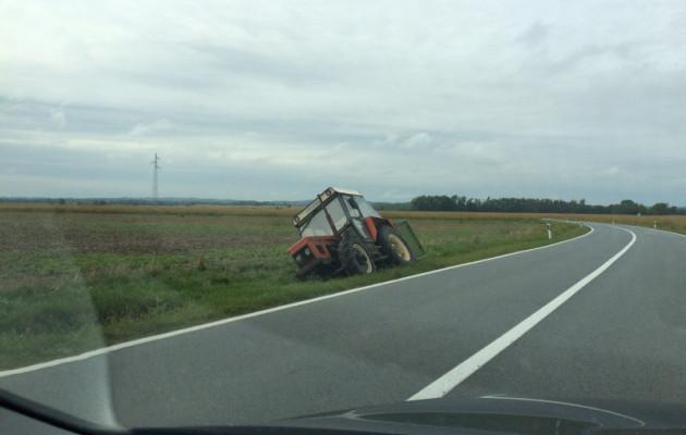 Ozlijeđen u prevrtanju traktora, vozio s 1,56 promila