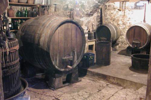 Kutjevački vinar obnovio stare bačve (1755) - Vinogradarstvo - AgroKlub.com