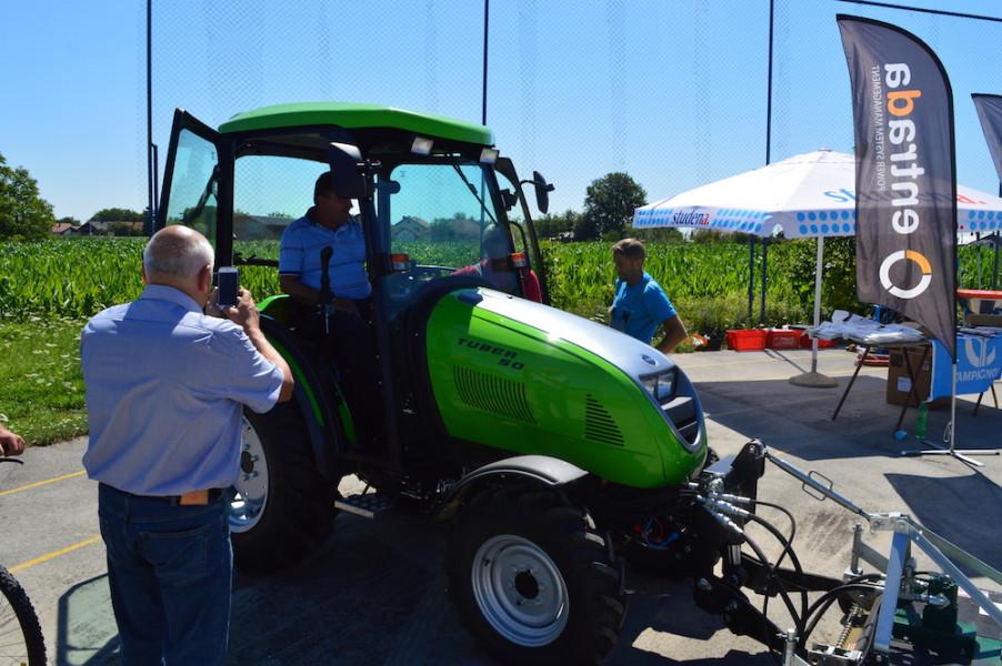 Komunalne poslove rješavaju traktorom Tuber 50!