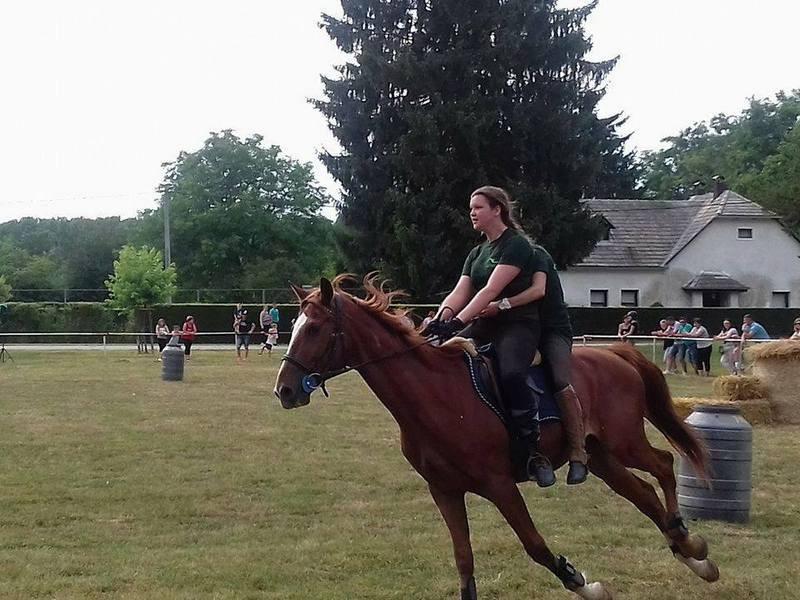 Tko na konju prvi, njegova djevojka